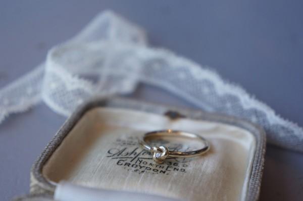 diamond motif ring