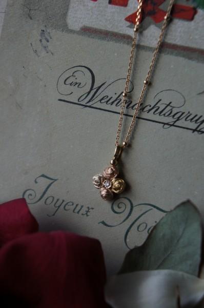 愛らしい薔薇のクロス