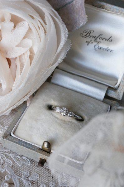 美しい煌めきのリング